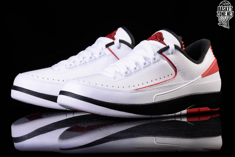 2bf7d56a847619 NIKE AIR JORDAN 2 RETRO LOW CHICAGO voor €112