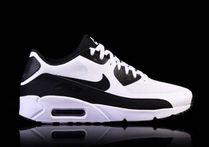 594b2e59016c NIKE AIR MAX 90 ULTRA 2.0 ESSENTIAL BLACK-WHITE pour €117