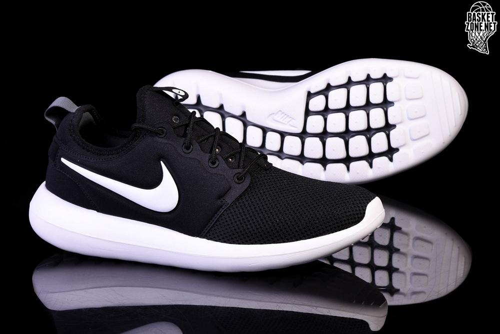 quality design c3cfa 54752 NIKE ROSHE TWO BLACK WHITE