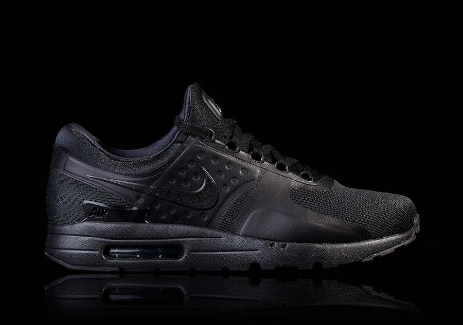 4b00f78d40 NIKE AIR MAX ZERO ESSENTIAL TRIPLE BLACK price €105.00 | Basketzone.net