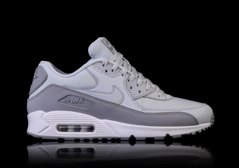 newest 9312c a6801 NIKE AIR MAX 90 ESSENTIAL WOLF GREY voor €115,00 | Basketzone.net