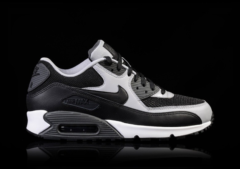 NIKE AIR MAX 90 ESSENTIAL GREY-ANTHRACITE pour €115 db158fb5a5bb