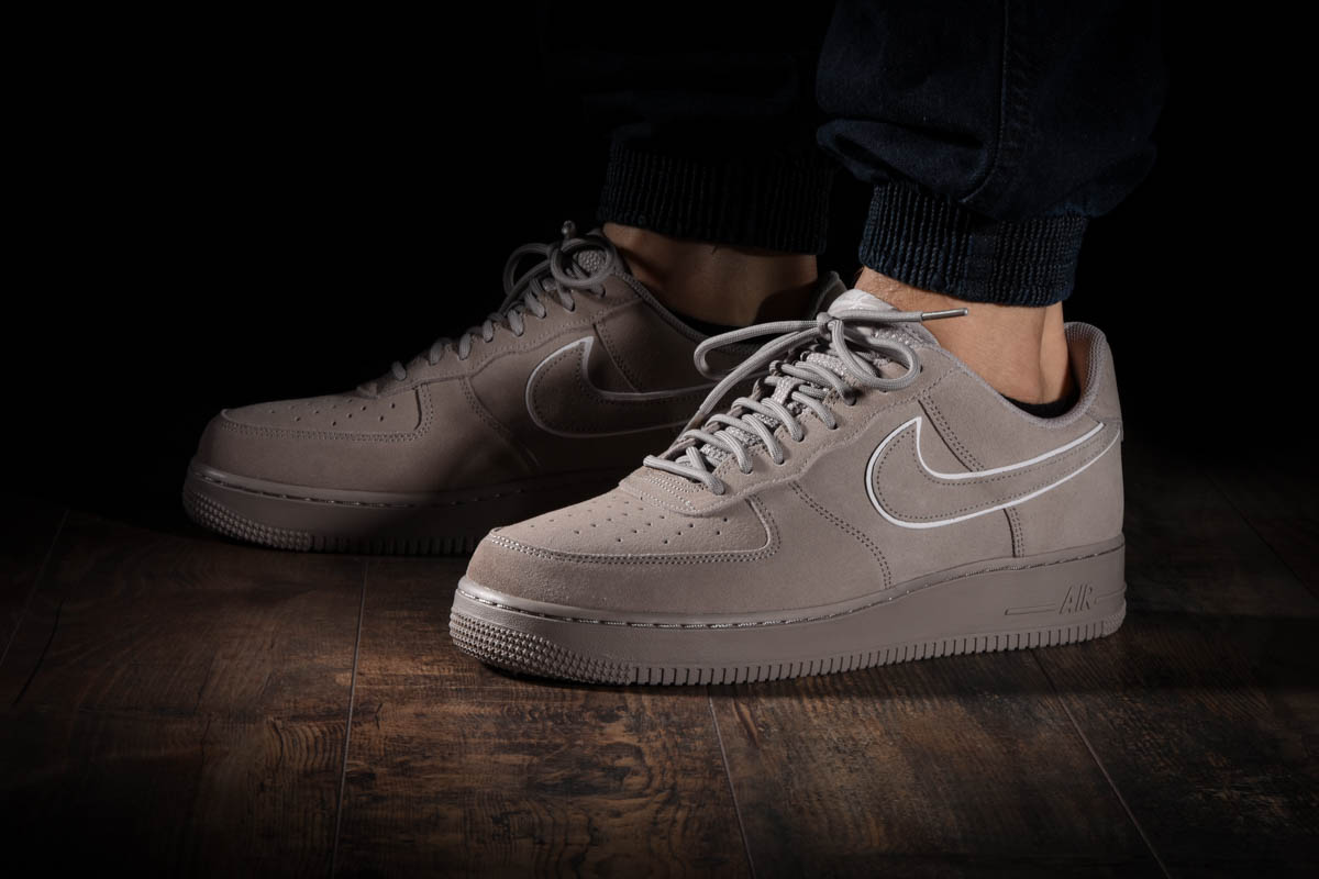 Nike Air Force 1 '07 LV8 Low Suede Moon Particle & Sepia Stone AA1117 201
