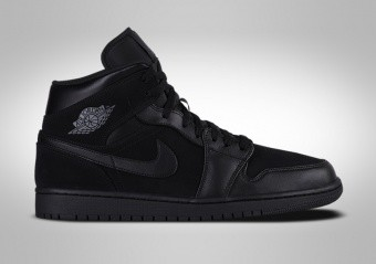 new styles 468ad b50d5 BASKETBALL SHOES. NIKE AIR JORDAN 1 RETRO MID TRIPLE BLACK