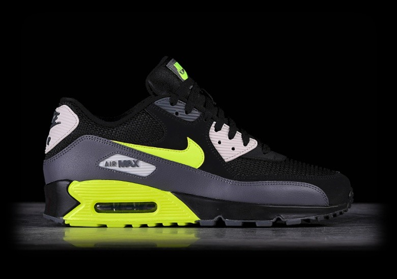 top brands new york performance sportswear NIKE AIR MAX 90 ESSENTIAL BLACK VOLT pour €137,50 | Basketzone.net