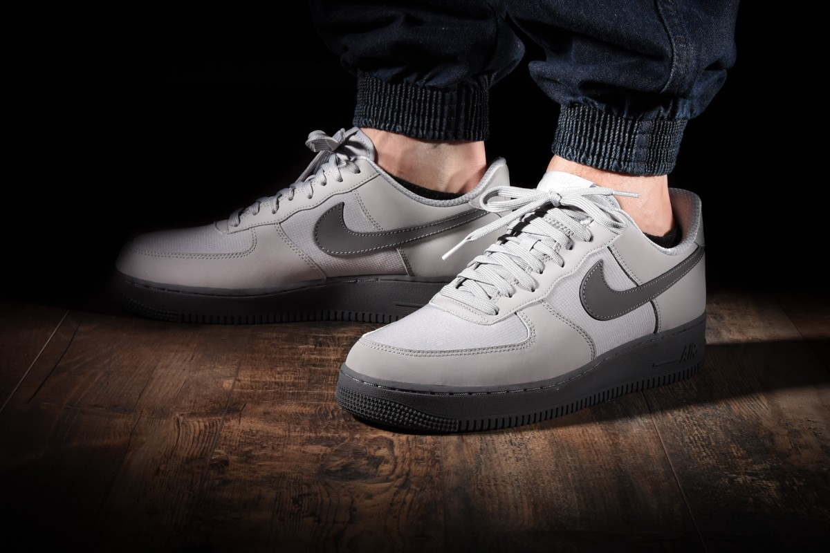 release date c5e2d fb798 NIKE AIR FORCE 1  07 TXT