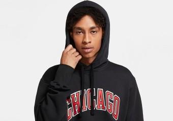 NIKE NBA CHICAGO BULLS STATEMENT EDITION PULLOVER FLEECE HOODIE BLACK